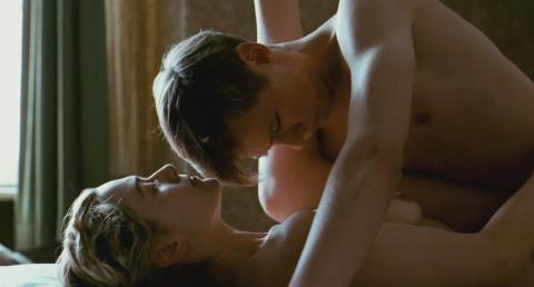 capture Kate Winslet dans the reader