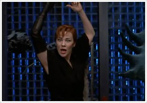 Catherine O&#039;Hara danse sur Day-O ... contre son gr