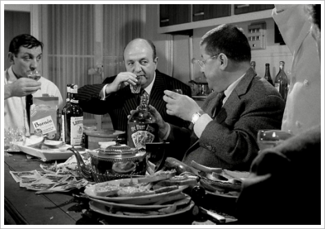 Lino Ventura, Bernard Blier, Francis Blanche dans la cusine (Tontons flingueurs)