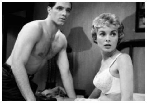 Janet Leigh en soutien-gorge