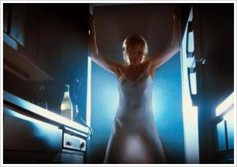 Le strip-tease de Kim Basinger dans 9 semaines 1/2