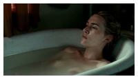 Kate Winslet nue dans sa baignoire 