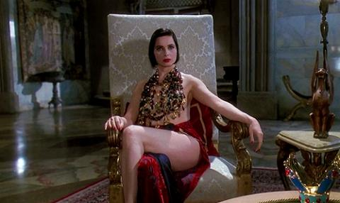 Isabella Rossellini demi-nue